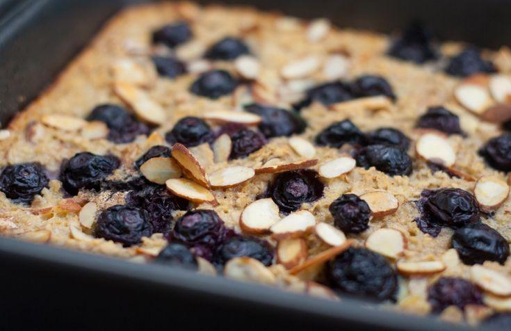 Blueberry Banana Baked Oatmeal | Mi Chuchudieta | Pinterest