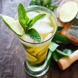 Iced Green Tea Mojito with mint and arugula, from Skinnytaste