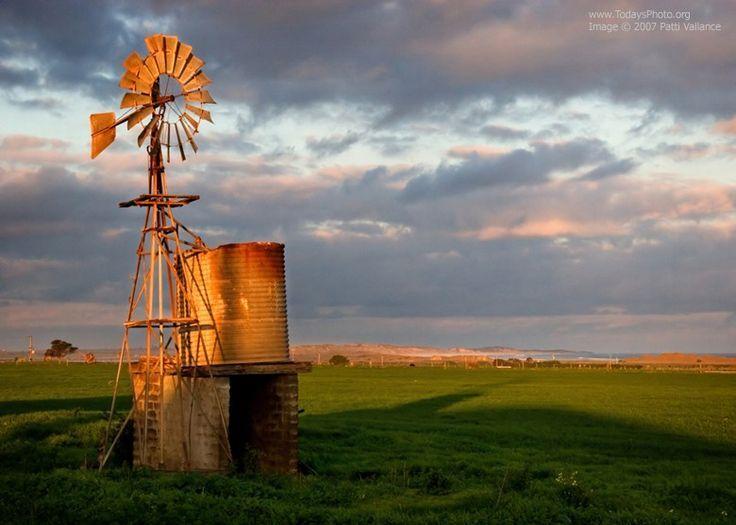 Old Farm Windmills | Old windmills | WINDMILLS AND WIND TURBINES | Pi ...