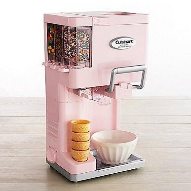 Pink ice cream maker. I want one!