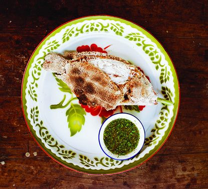 Plaa Phao Kleua (Grilled Salt-Crusted Fish with Chile Dipping Sauce ...