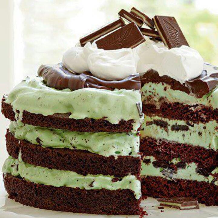 Mint chocolate chip cake | St. Patrick's Day | Pinterest