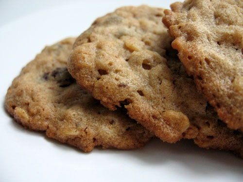 ... me, delicious: Chunky Peanut Butter and Oatmeal Chocolate Chipsters