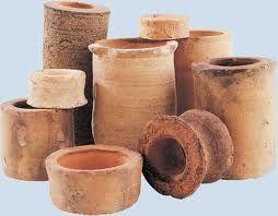 009 -  La fabricación de cerámica, esmaltes y vidrio, la fermentación de la cerveza y el vino, la extracción de sustancias de las plantas para usarlas como medicinas o perfumes y la transformación de las grasas en jabón.