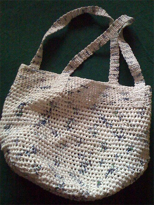 Crochet Plastic Bag Tote Pattern : Crochet a Shoulder Tote from Plastic Grocery Bags: A good idea!