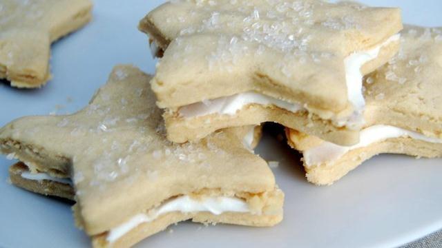 Mint Buttercream Sandwich Cookies Recipe from Pillsbury.com