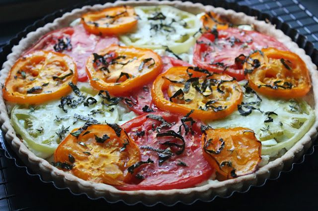 Heirloom tomato and goat cheese tart   Lazy Sunday Brunch   Pinterest