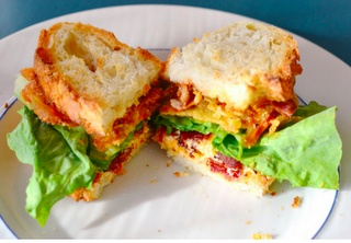 ... fried green tomatoes , green tomatoes and pimento cheese sandwiches