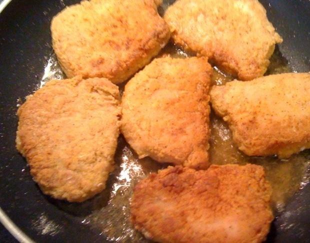 Sweet Tea and Cornbread: Pan Fried Pork Chops with White Milk Gravy!