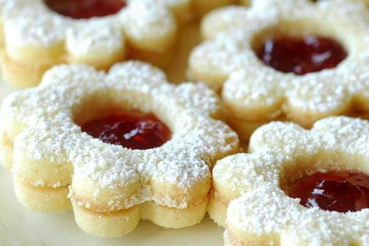 Raspberry Linzer Cookies | Pastries & cakes 2 | Pinterest
