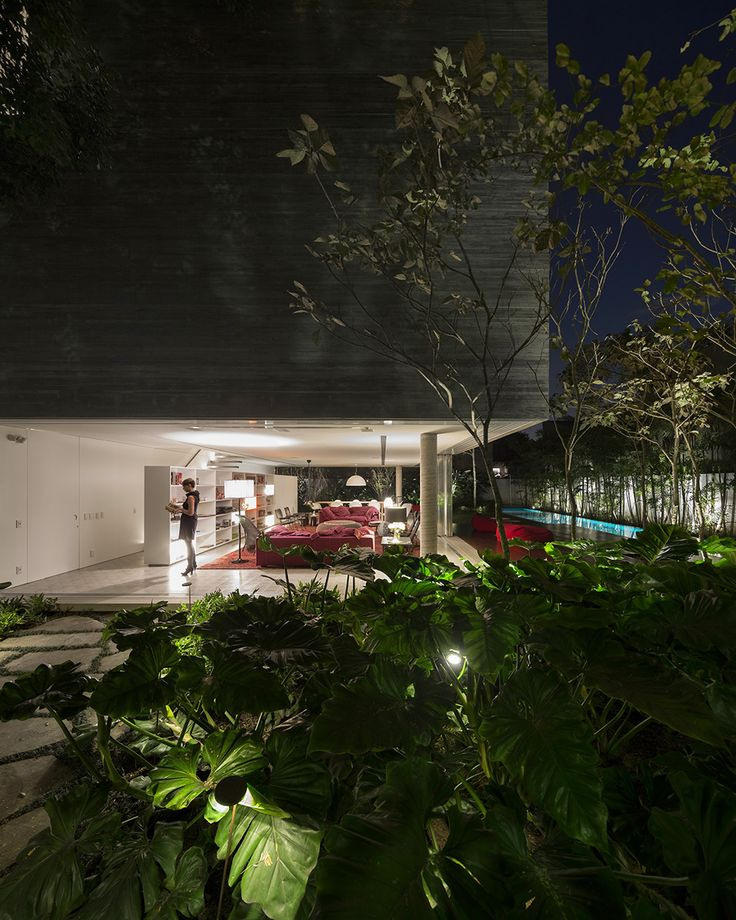 Concrete house in Sao Paulo by Studio MK27
