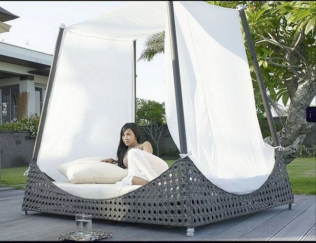 romantic outdoor canopy beds am nagement ext rieur. Black Bedroom Furniture Sets. Home Design Ideas