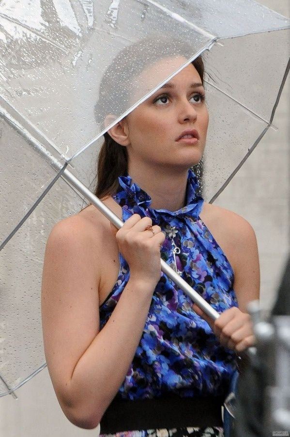 The stylish umbrella fashion tips from gossip girl