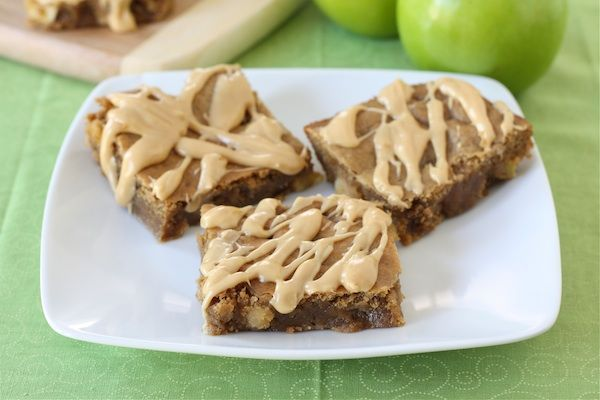 Peanut Butter Apple Bars Recipe on twopeasandtheirpod.com Love the ...