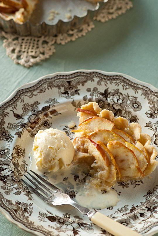 Apple Tart & Ice Cream | Yummilicious | Pinterest