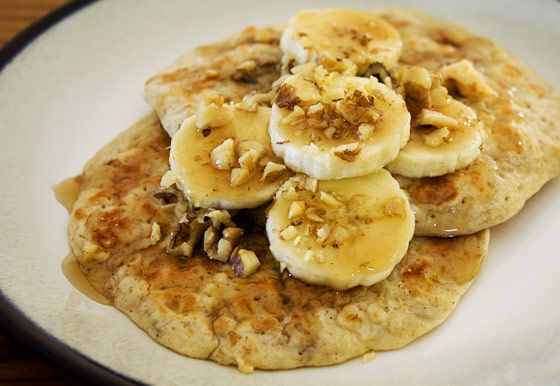 Whole Wheat Banana Nut Pancakes | I'm gettin hungry... | Pinterest