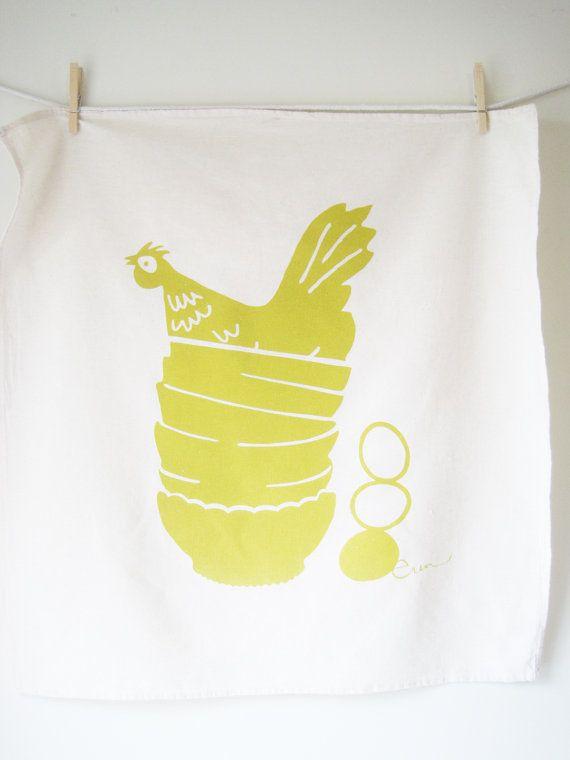 Tea Towel Hen in Golden Rod