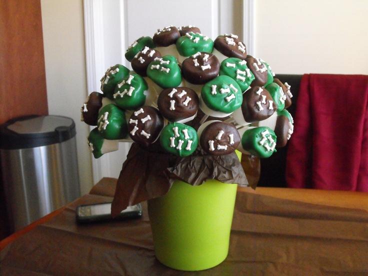 Dinosaur Bones Marshmallow Pops | Birthday party | Pinterest
