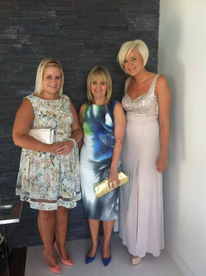 Liam Paynes Sister Nicola And Ruth