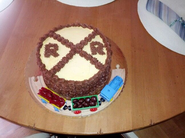 Easy train cake kids Pinterest
