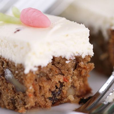 Easy Moist Carrot Cake Recipe | Cakes and cookies | Pinterest