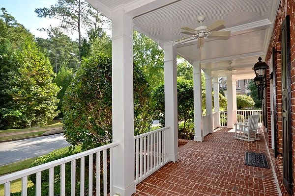 Beautiful front porch beautiful front porches pinterest for Pictures of beautiful front porches