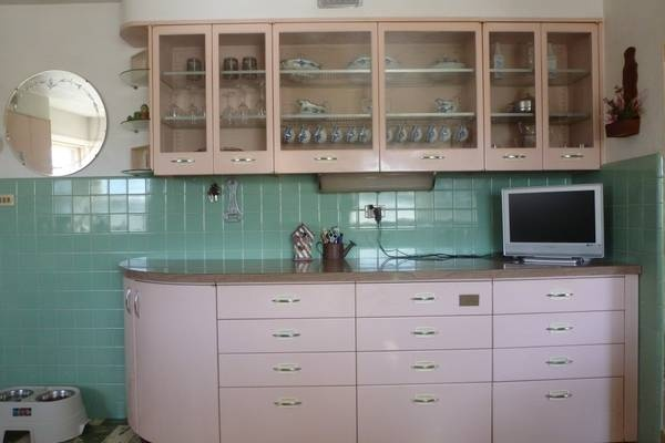 Pin by erin o 39 malley on kitchen pinterest for 50s metal kitchen cabinets