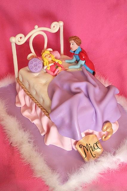 sleeping beauty cake.