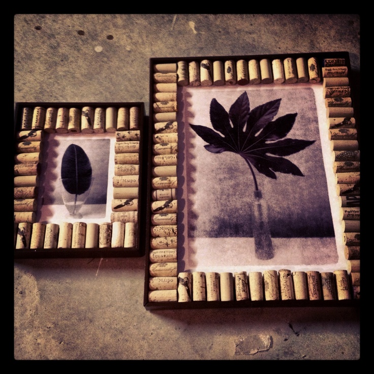 Wine cork picture frames! :)  DIY  Pinterest