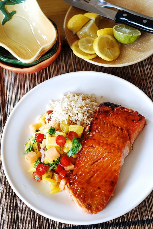 Broiled salmon with mango salsa and rice | Recipe