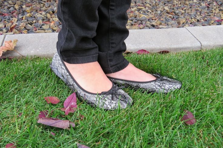 Snakeskin Foldup Shoes #fitinclouds