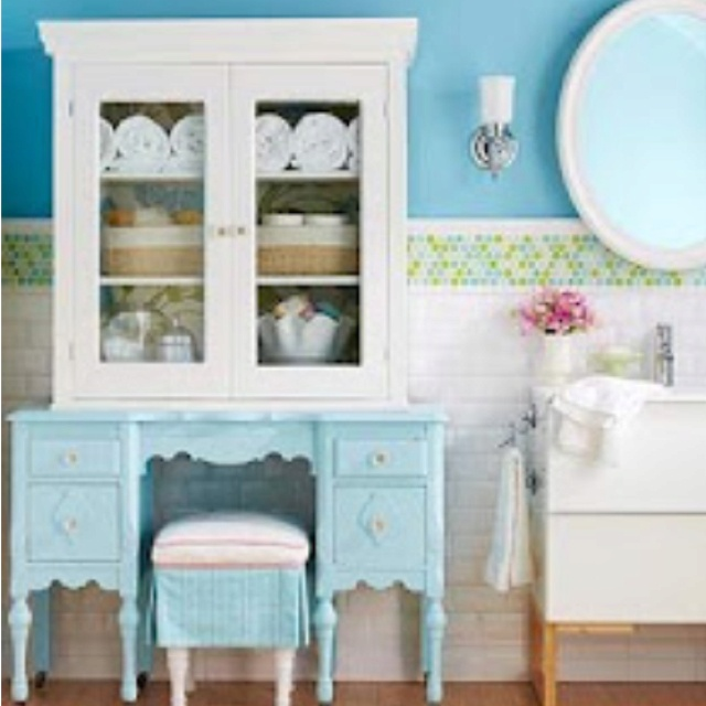 Cute Older Girls Bathroom For The Home Pinterest