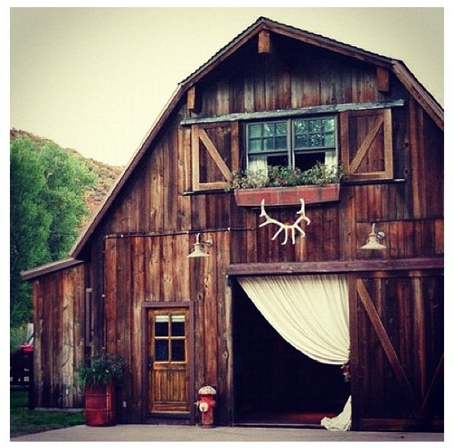 Dream Home Rustic Old Converted Barn If These Walls
