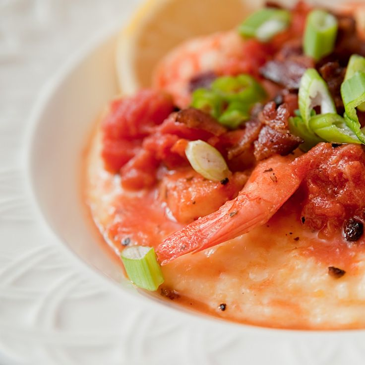 shrimp and cheesy grits with tomatoes from lisalovesgoodfood.com