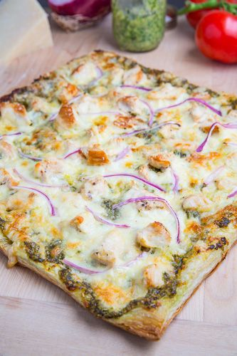 chicken pesto pizza