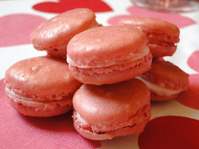 Strawberry macarons with champagne buttercream