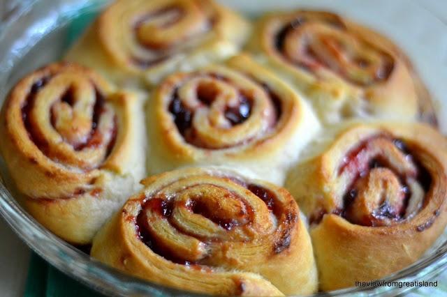 Quick Plum Sticky Buns | Good grub: baking | Pinterest