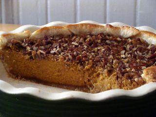 caramel pecan pumpkin pie - perfect for Thanksgiving!