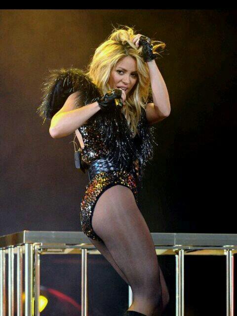Shakira live   Shakira   Pinterest Shakira