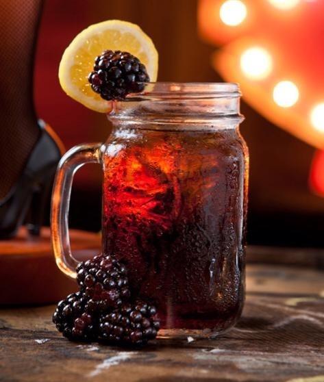 blackberry burbon lemonade | Food and Drinks | Pinterest