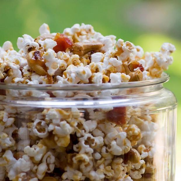 Bacon Cashew Caramel Popcorn | Sweet Tooth | Pinterest