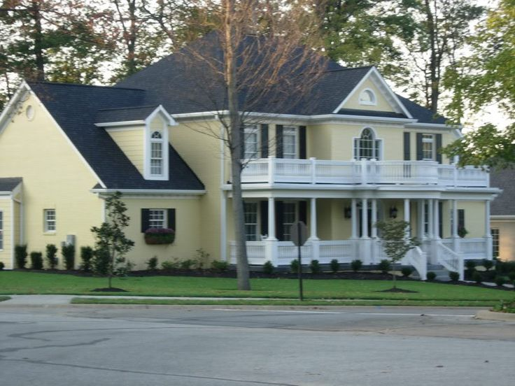 Yellow house with black white yellow homes pinterest for Yellow and red house