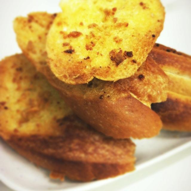 Crispy Garlic Bread! | delicious food | Pinterest