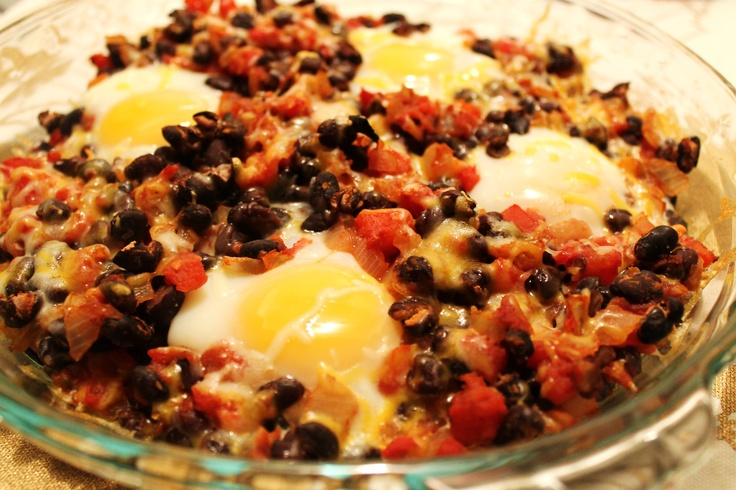 Mexican Baked Eggs. I added spinach and sweet potatoes, next time will ...