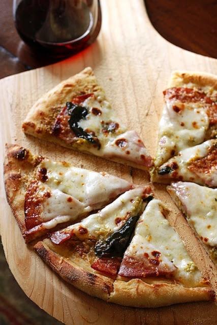 Pistachio e Mortadella Pizza | Pizza party. | Pinterest