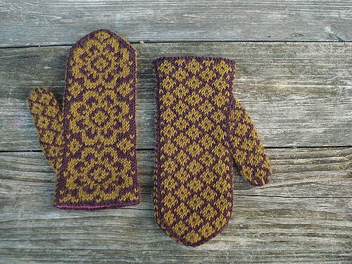 End of May Mittens pattern by Mandy Powers
