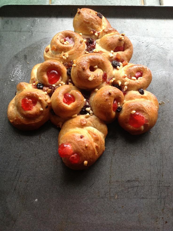 Quasi-Christmas tree bread. | Bread | Pinterest