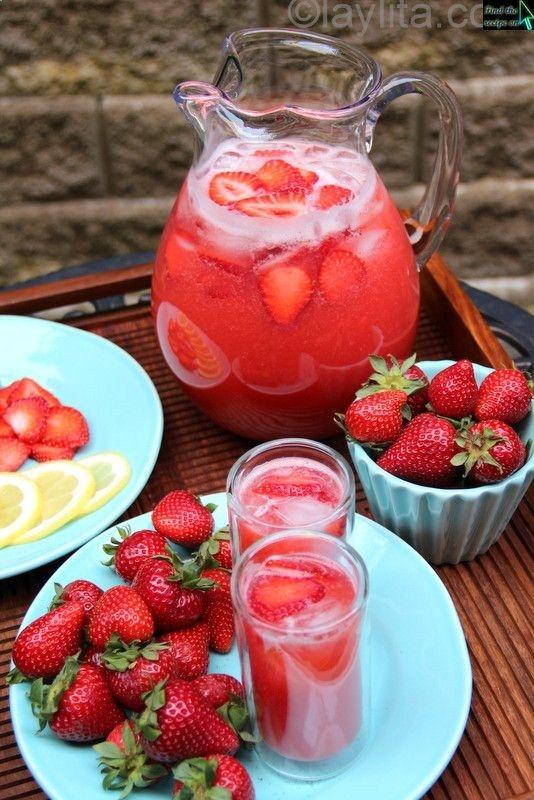 Homemade strawberry lemonade | food delicez | Pinterest