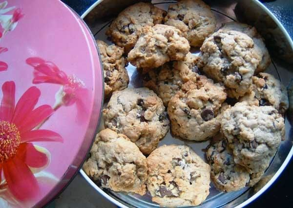 chocolate chip oatmeal cookies   cookies   Pinterest