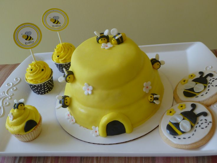 bumble bee baby shower cake ideas pinterest